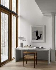 Sử dụng đồ nội thất/đồ decor lớn, hình khối đơn giản- Trang trí nhà đẹp phong cách Minimalism