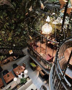 Cách phối màu xanh lá của Terrace Cafe
