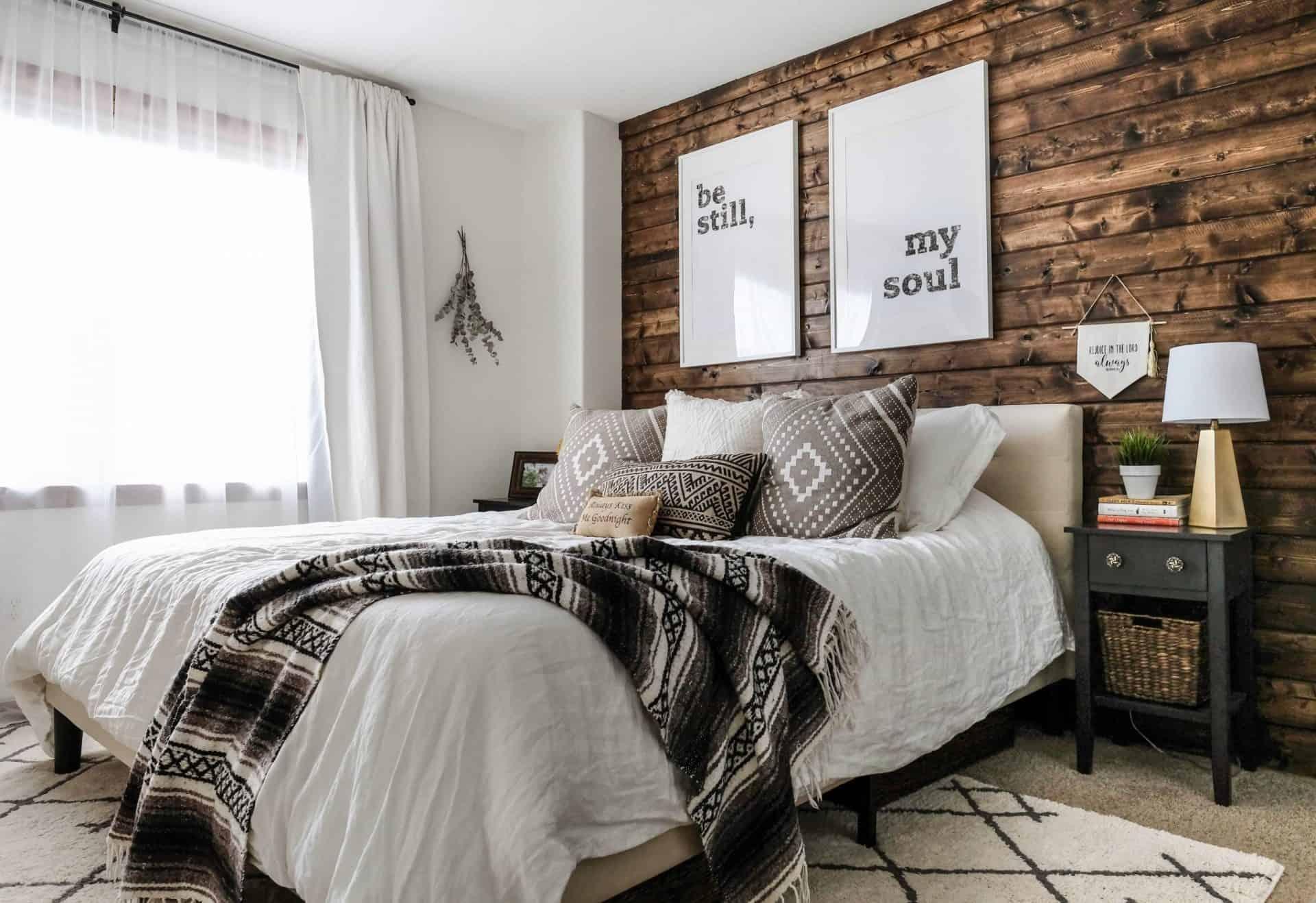 Mẹo phong thủy: Cách khắc phục hướng đặt giường ngủ đối diện cửa ra vào 1
